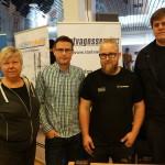 Jonas Wessling från kommunens näringslivsenhet (tvåa från vänster) mötte Catarina Dufvenberg på Lastvagnsservice och hennes två medarbetare Oskar Larsson och Jonas Norberg.