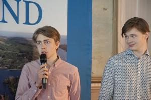 Leo Landström, Rasmus Engkvist och deras kompisar på Härnösands gymnasium vill se mer flexibla arbetsgivare i framtiden.